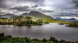 Derryclare Lough, Twelve Bens.jpg