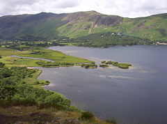 https://upload.wikimedia.org/wikipedia/commons/thumb/7/7f/Derwent-water.jpg/240px-Derwent-water.jpg