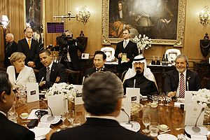 2009 G20 London summit - A working dinner at the summit – Left to right: Merkel, Obama, Lee, Abdullah, Lula da Silva.
