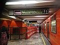 División de vagones exclusivos en metro 5.jpg