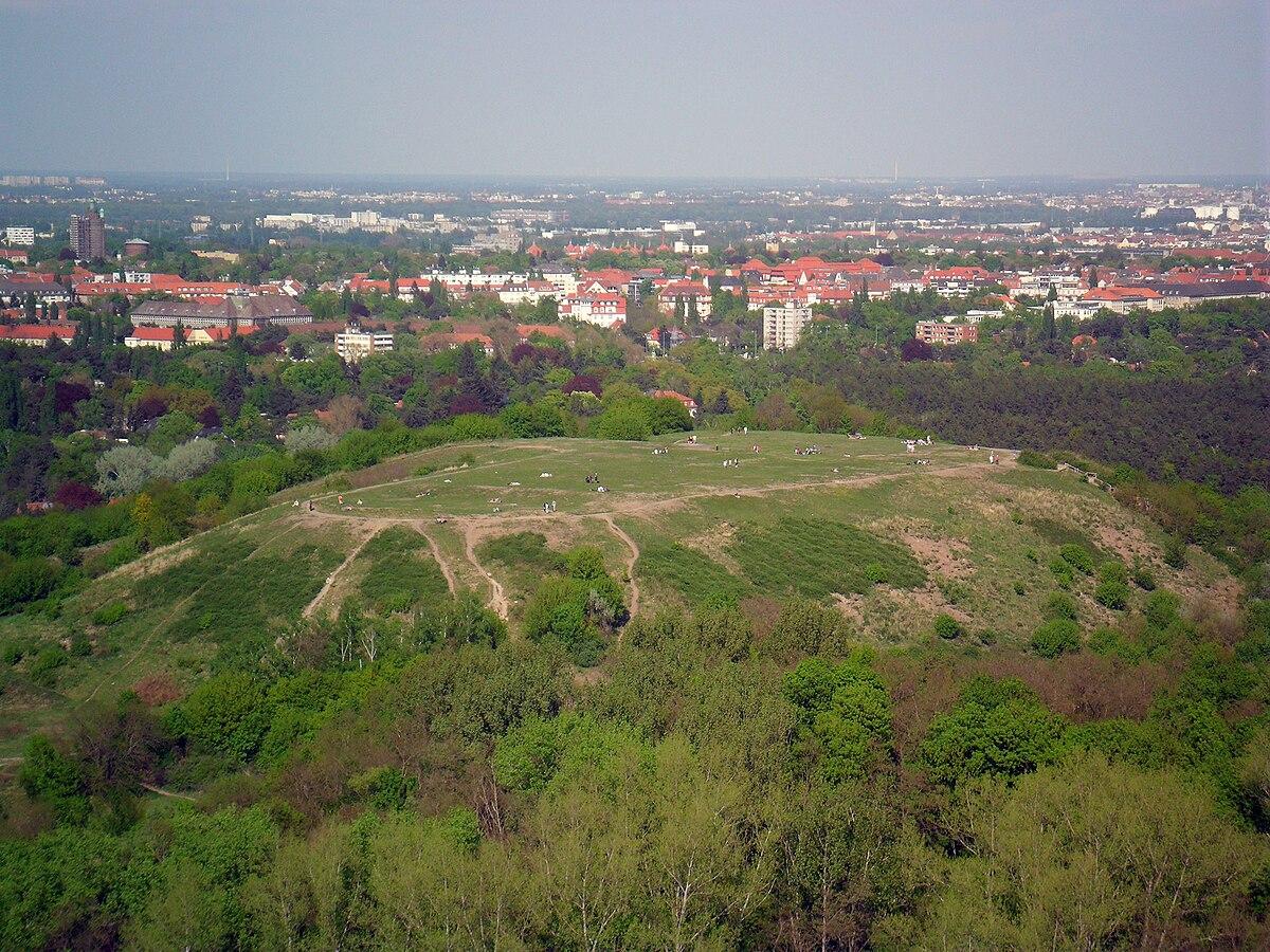 Blick auf den Drachenberg vom Teufelsberg.