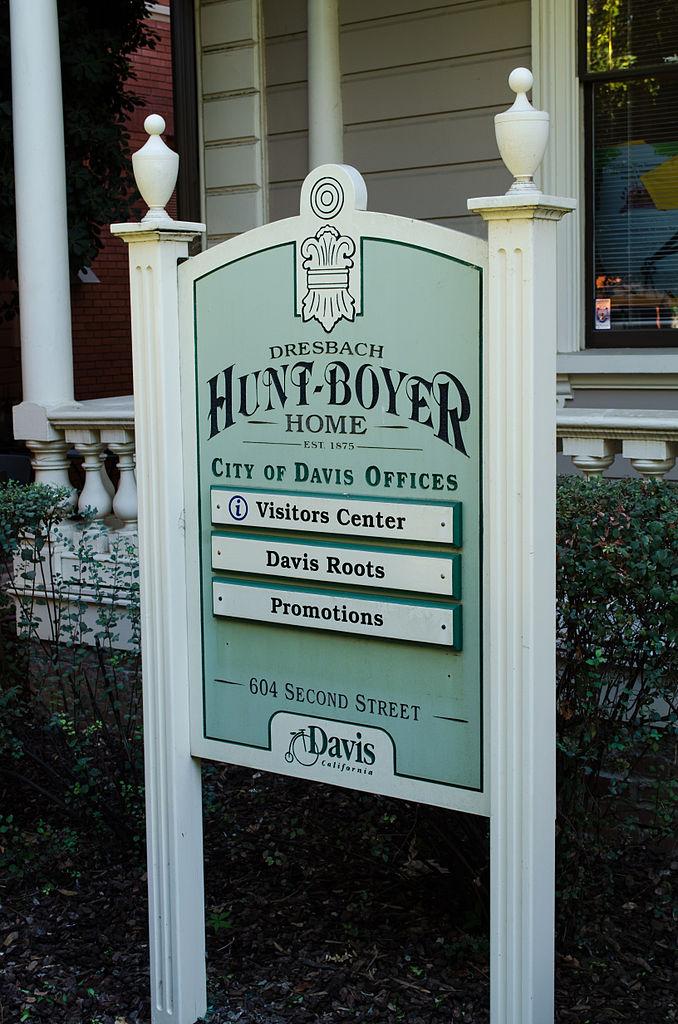 FileDresbach-Hunt-Boyer Mansion Front Yard Sign.jpg - Wikimedia Commons