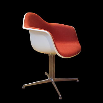 Eames Fiberglass Armchair - The Armchair, with central aluminium stand (DAL)