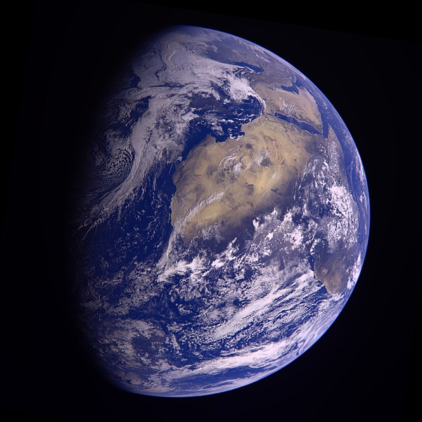 File:Earth - November 13 2009 (32692891296).jpg