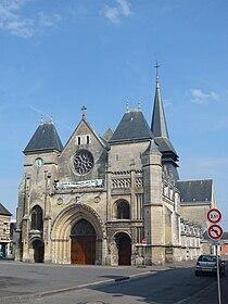 Eglise Blangy avant.jpg