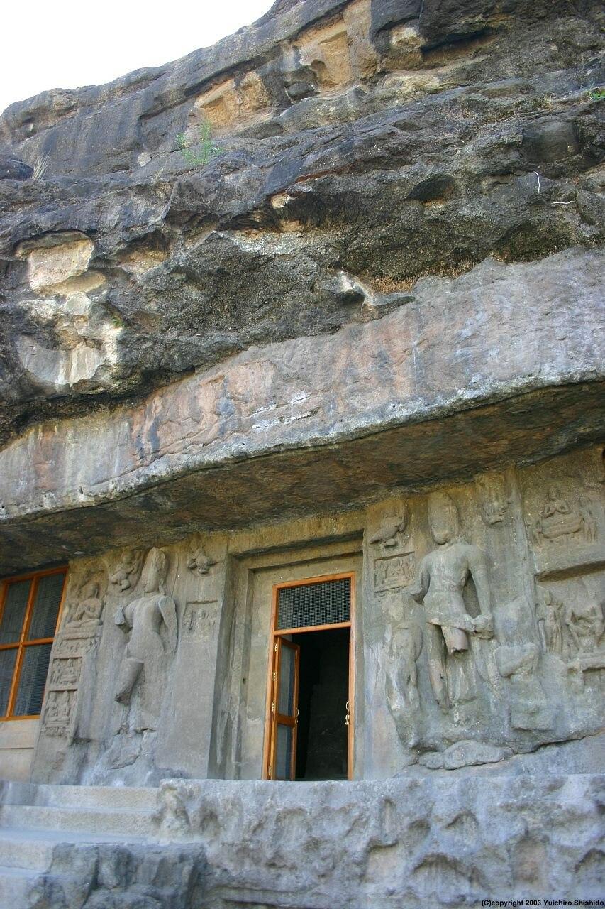 Ellora cave03 002