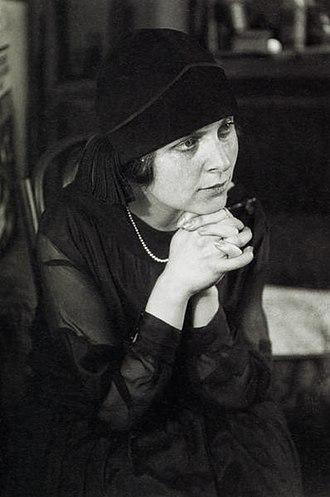 Elsa Triolet - Image: Elsa triolet 1925