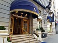 Entrée Ritz Londres.jpg