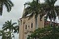 Fachada entre palmeras.jpg