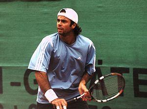 Fernando González - Fernando González at training for the World Team Cup, in 2005