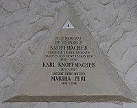 Feuerhalle Simmering - Arkadenhof (Abteilung ALI) - Heinrich Knöpfmacher 02.jpg