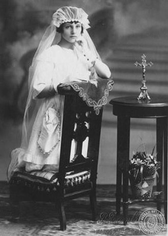 Girl - First Communion photo of a girl in Argentina, 1923.