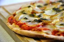 Flickr - cyclonebill - Kartoffelpizza med rosmarinpesto.jpg