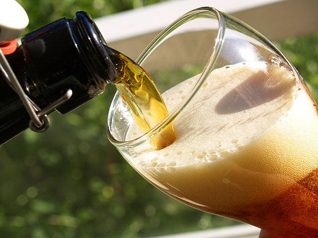 How To Pour The Perfect Glass Of Beer Every Time