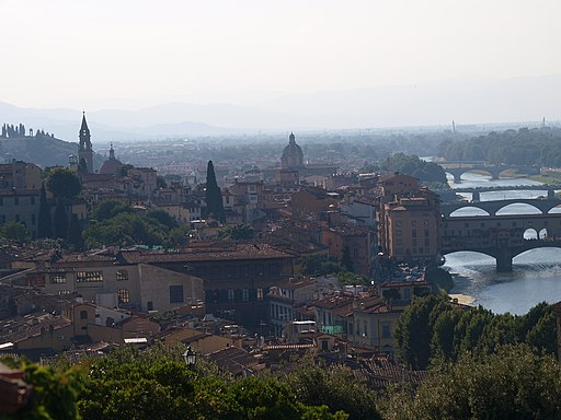 Piazzale Michelangelo, Florence's most beautiful terrace, with a view on Oltrarno and San Niccolo (with Santo Spirito, Santa Camine and the Ponte Vecchio