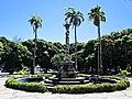 Fonte da Praça do Entroncamento - Bairro das Graças - Zona Norte - Recife, Pernambuco, Brasil (8648078614).jpg