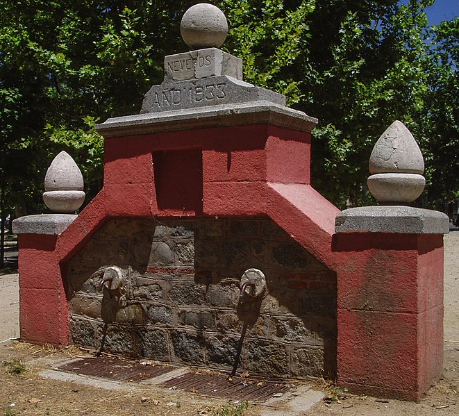 File fuente de neveros casa de campo madrid espa - Casas de campo madrid ...