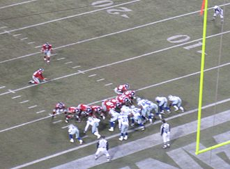 2006 Dallas Cowboys season - The Giants attempt an extra point, week 13