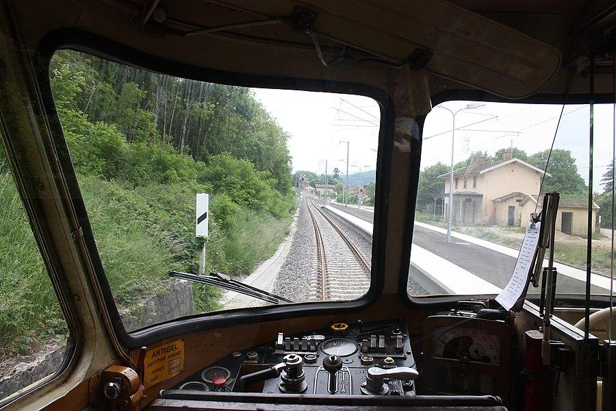 La gare de Ceyzériat depuis le pupitre de conduite de l'X4208 le 2 juin 2010