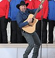 Garth Brooks (3217544578).jpg