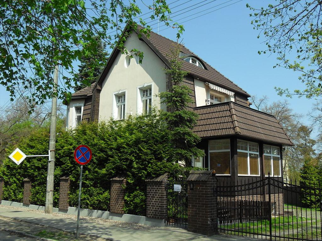 1024px-Gda%C5%84sk_ulica_Noakowskiego_9.JPG