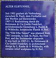 Gedenktafel Bei den St Pauli Landungsbrücken (Hamburg) Alter Elbtunnel.jpg