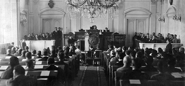 National Council meeting, May 26, 1918. Georgien Parlament Unabhangigkeit.jpg