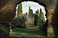 Giardino di Ninfa-abside Santa Maria Maggiore2.JPG