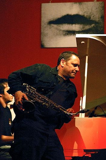 Jazz player Gilad Atzmon in concert
