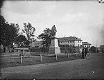 Governor Bourke Statue, Domain, Sydney (2362659579).jpg