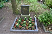 Grab Walter Dehmels auf dem Friedhof Friedensaue Schöneiche.JPG
