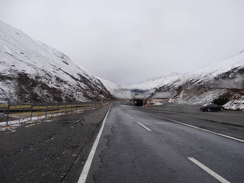 File:Great St Bernard Pass 2013 4.jpg