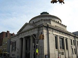 Manhattan Avenue (Brooklyn) - Greenpoint Savings Bank on Manhattan Avenue, Brooklyn