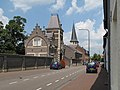 Gronsveld, straatzicht met kerk foto2 2010-07-11 12.44.JPG