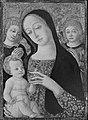 Guidoccio Cozzarelli - Virgin and Child with Two Angels - 06.121 - Museum of Fine Arts.jpg