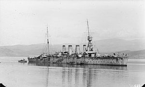 HMS Lowestoft (1913).jpg