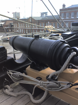 Naval artillery in the Age of Sail - 68-pounder British naval carronade mounted on HMS ''Victory''