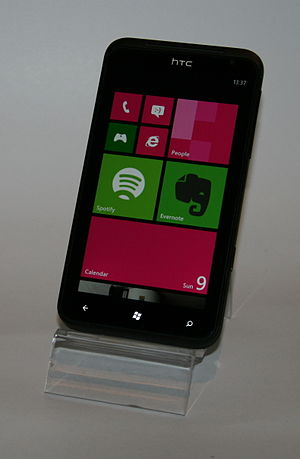 Windows Phone 7 - Image: HTC Titan
