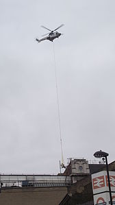 Helicopter lift at Waterloo station II.JPG