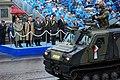 Het-nieuwe-gepantserde-all-terrain-vehicle-van-het-type-viking-band-v-gn-s10-passeert-de-prins-van-oranje-die-het-defile.jpg