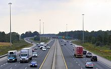 High-mast lighting used on Ontario Highway 401 during the day & High-mast lighting - Wikipedia
