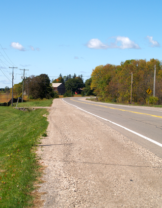 Ontario Highway 8 - Highway 8 passes farmland near Rockton