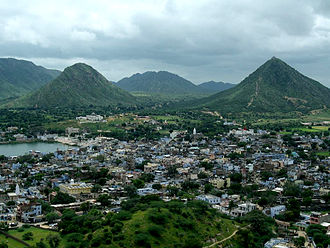Padma Purana - The text describes Pushkar, Rajasthan as a place for pilgrimage. The Brahma temple and lake in the text is to the left in the image.