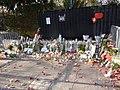 Hommage aux victimes des attentats du 13 novembre 2015 en France au Consulat de France de Genève-36.jpg