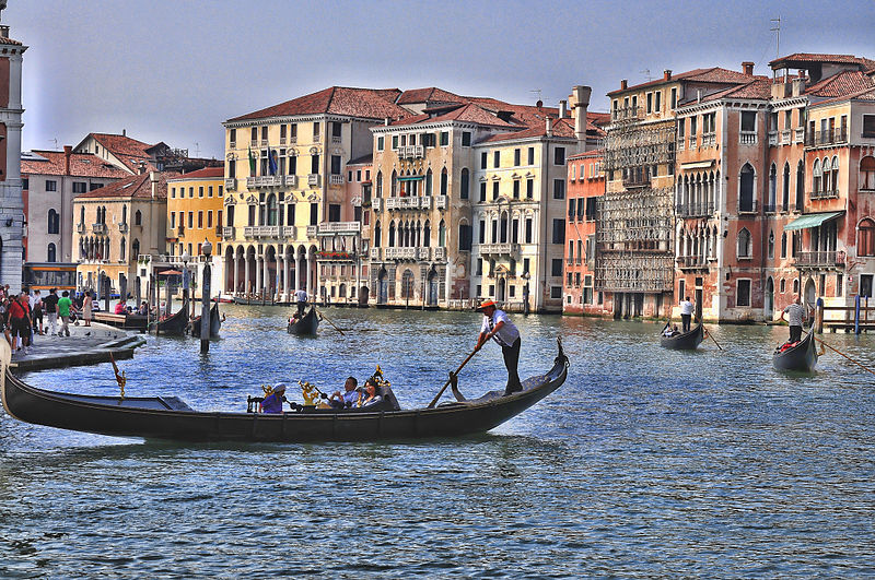 File:Hotel Ca Sagredo - Grand Canal - Rialto - Venice Italy Venezia - Creative Commons by gnuckx (4965536379).jpg