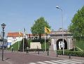 Hulst, de Gentse Poort in straatzicht RM22736 foto4 2013-05-06 14.05.jpg