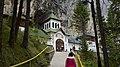Ialomitei Cave Romania (23029113571).jpg