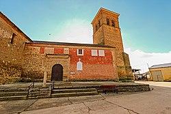 Iglesia de San Pedro en Fuentes de Ropel.jpg