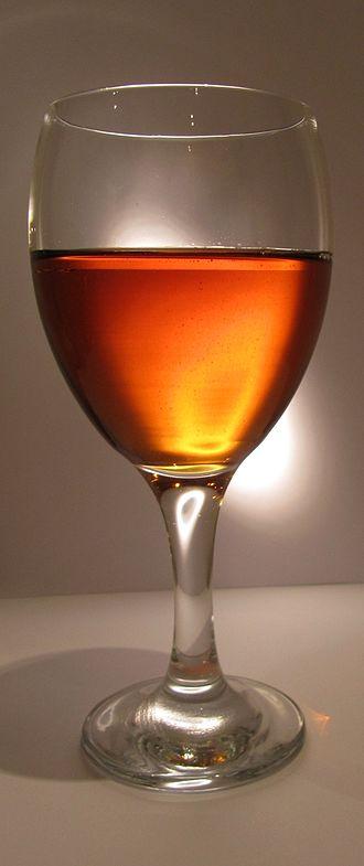 Ginger wine - Image: Ingwerwein 3