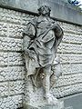 Inigo jones statue.jpg